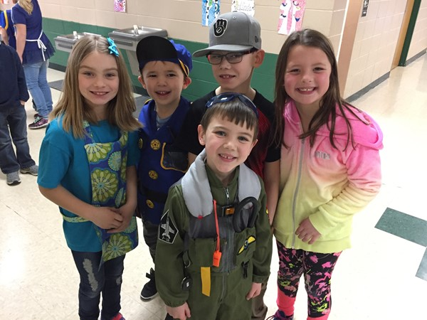 Students enjoyed theme dress up days to celebrate Read Across America Week!