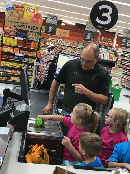 K-2 Community Helpers Project - Piggly Wiggly Visit