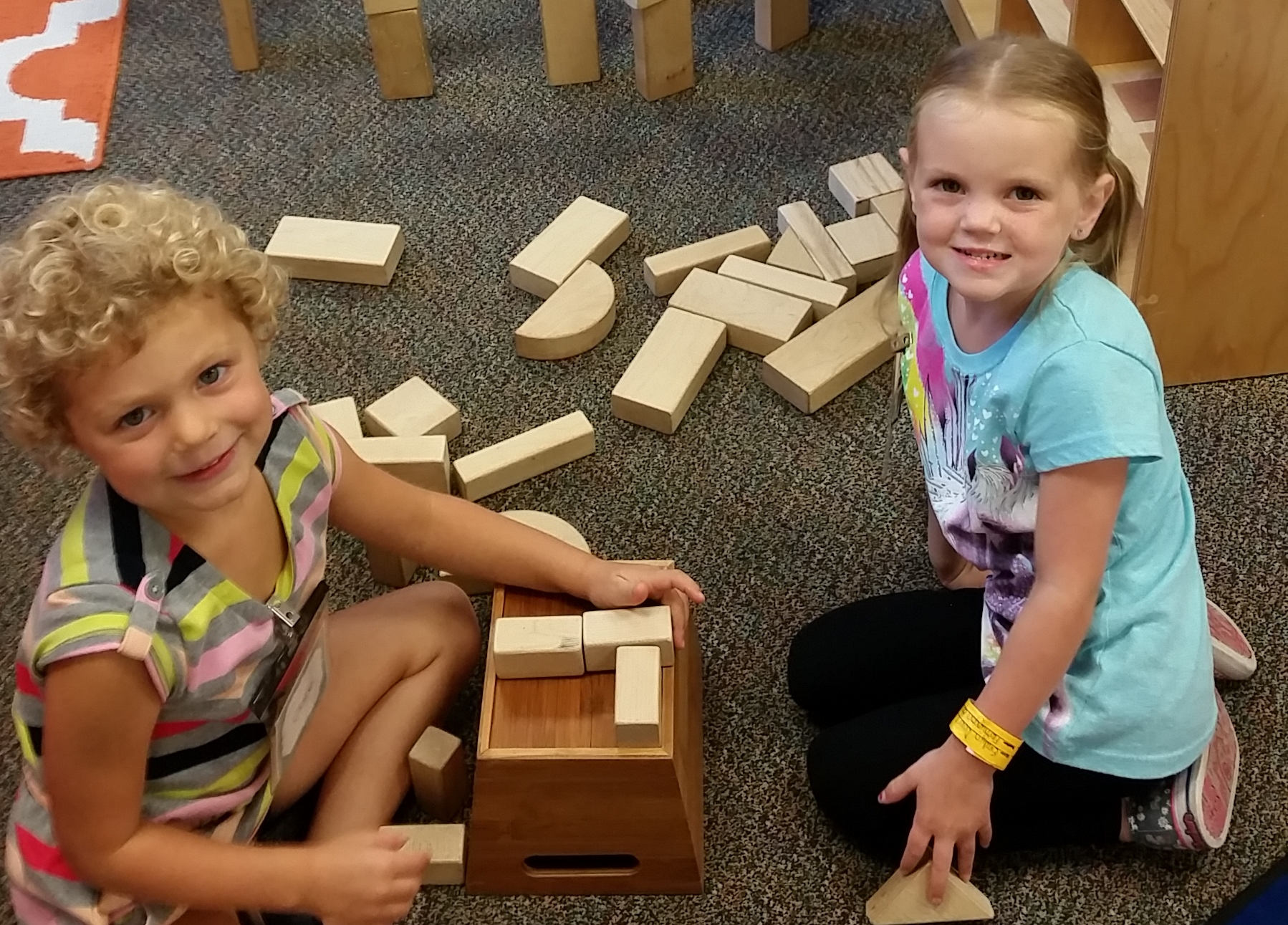 4k students work with blocks