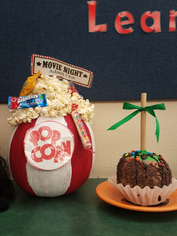 Popcorn and Caramel Apple